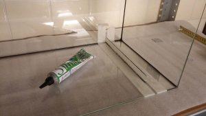 filtracja hamburska - wklejanie mocowań gąbki